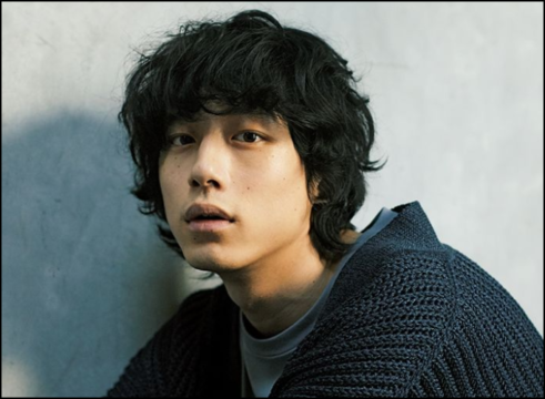 坂口健太郎 イノセンス 髪型