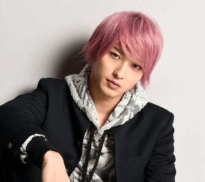 横浜流星 ピンクの髪 はじこい