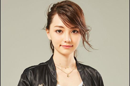 黒嘉嘉 可愛い 美人 画像 カップ スリーサイズ 姉 日本で芸能活動